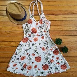 Kimchi Blue  Floral V-Neck mini dress with pockets